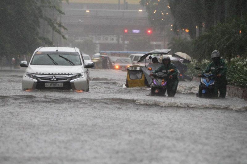 PAGASA issues flood warning in Metro Manila