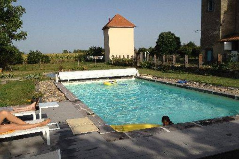 Gte le pigeonnier de Limagne  Riom au coeur de lAuvergne en plein campagne avec piscine