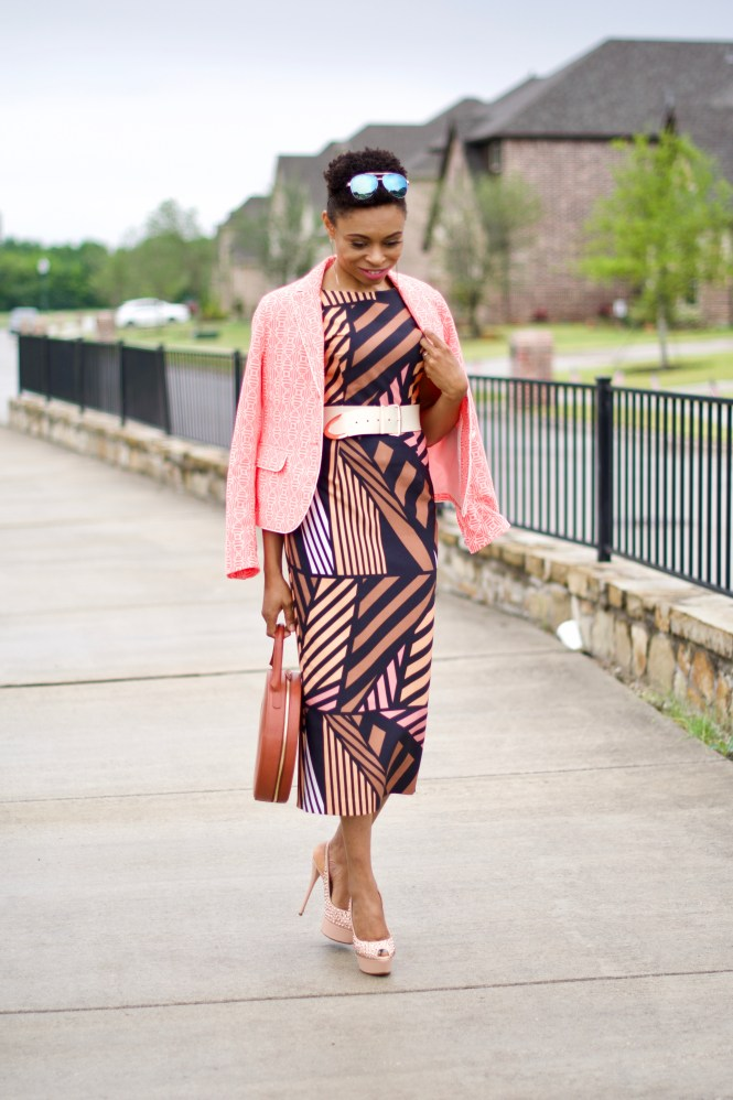 Geometric pattern Midi Dress + Circle handbag Posted by Vivellefashion