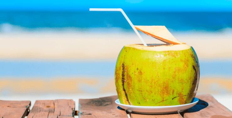Resultado de imagen de agua de coco