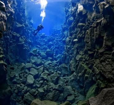 Silfra: um mergulho entre duas placas tectônicas