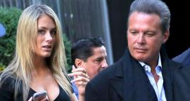 The girlfriend of Luis Miguel looks like figure toned with short sports