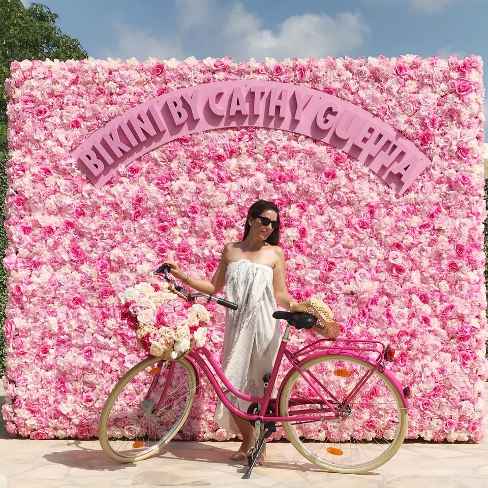 Bikini By Cathy Guetta a Ibiza: Exotic e Flamingo Style