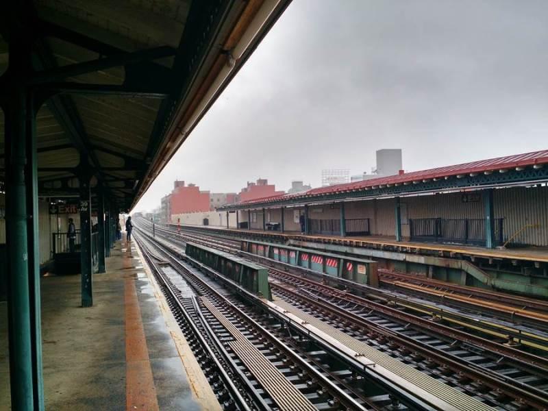Nova Iorque - Queens - Metrô Estação 39 Av