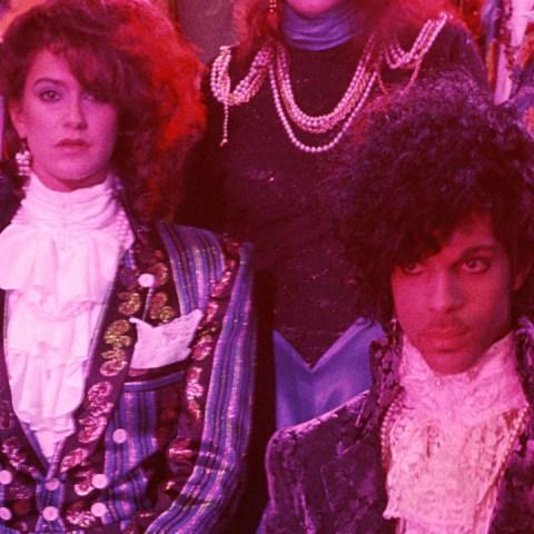 No-te-pierdas-la-transmisión-especial-del-Purple-Rain-Tour-de-Prince-este-14-de-mayo 13/05/20