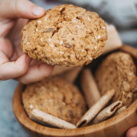Prepara-tus-propias-galletas-de-proteína-y-compártelas-con-tus-amigas-del-gym 14/05/20