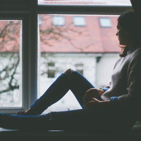 Depresión-sonriente-Conoce-sus-síntomas-y-por-qué-es-considerada-de-las-más-peligrosas 05/06/20