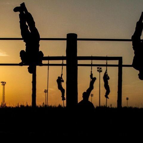 Entrenamiento de los Marines: Gana músculo y elimina grasa en solo un mes