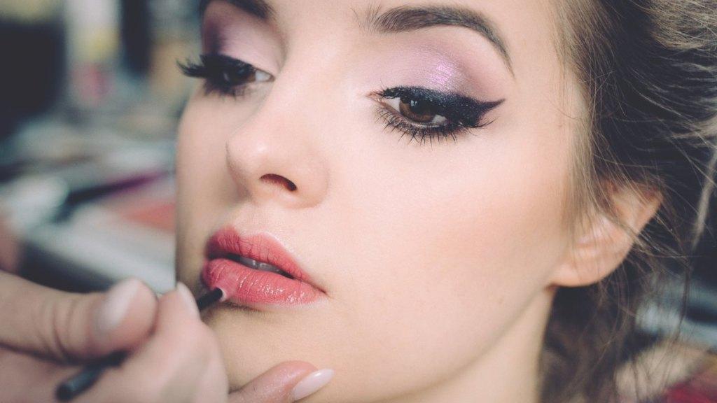como-hacer-que-maquillaje-dure-calor