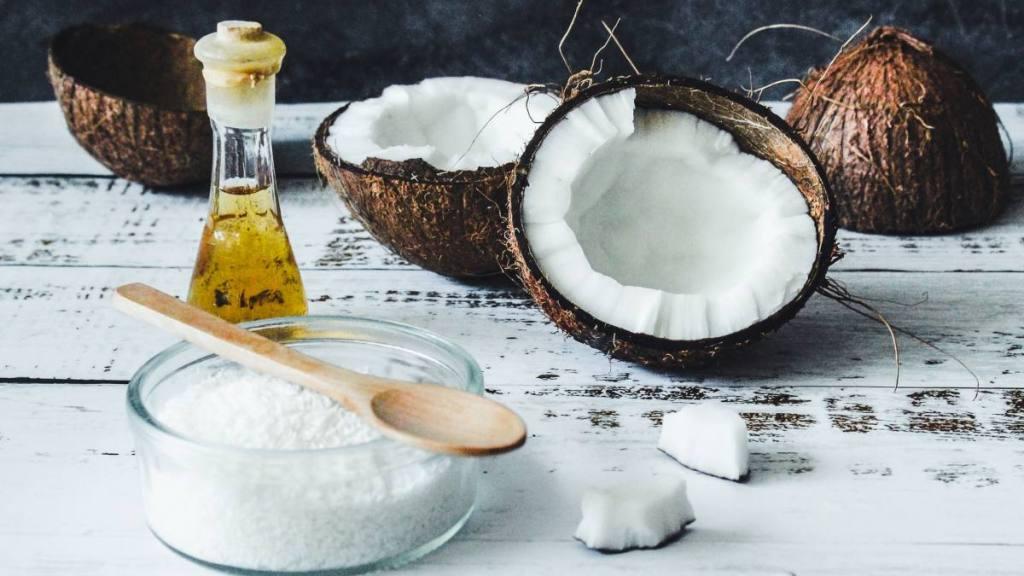 el aceite de coco virgen destruye al coronavirus y cura sus efectos