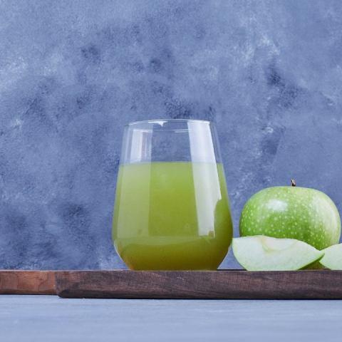 jugos piel manzana