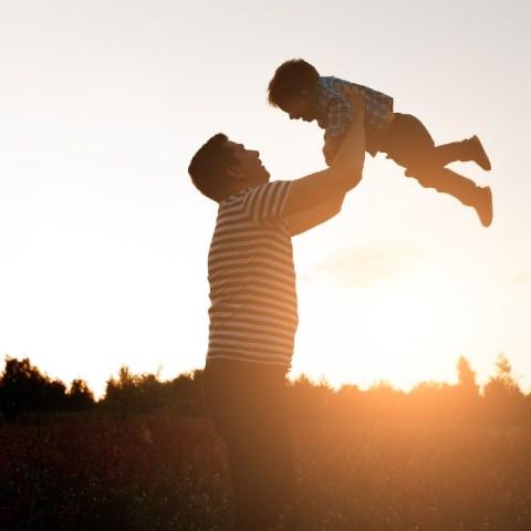 padre soltero y su hijo