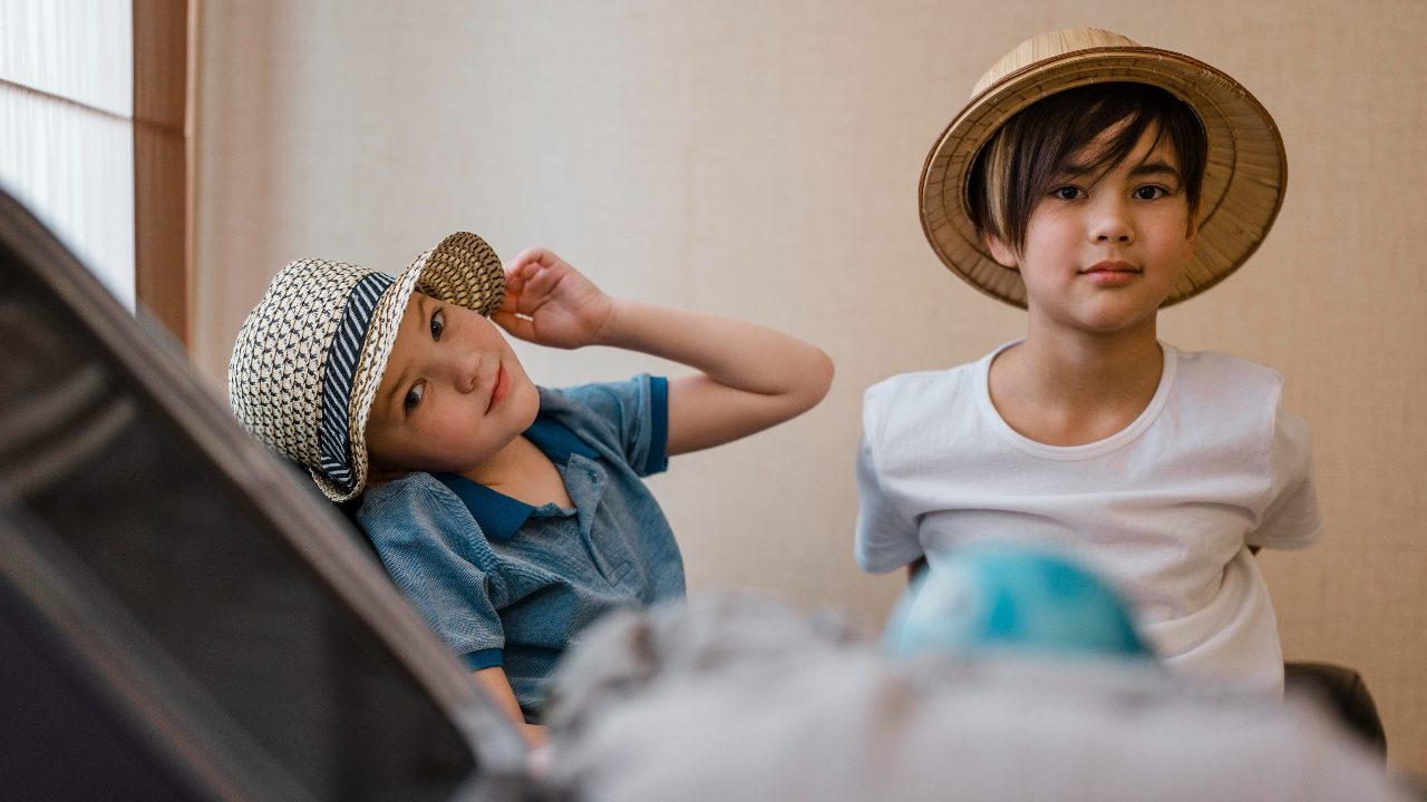 ropa niños beneficos