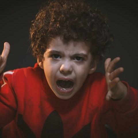 el castigo físico daña la salud mental de los niños