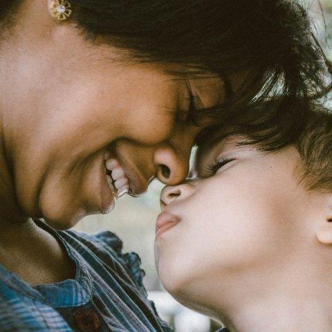 hijos generosos madres empaticas y amorosas
