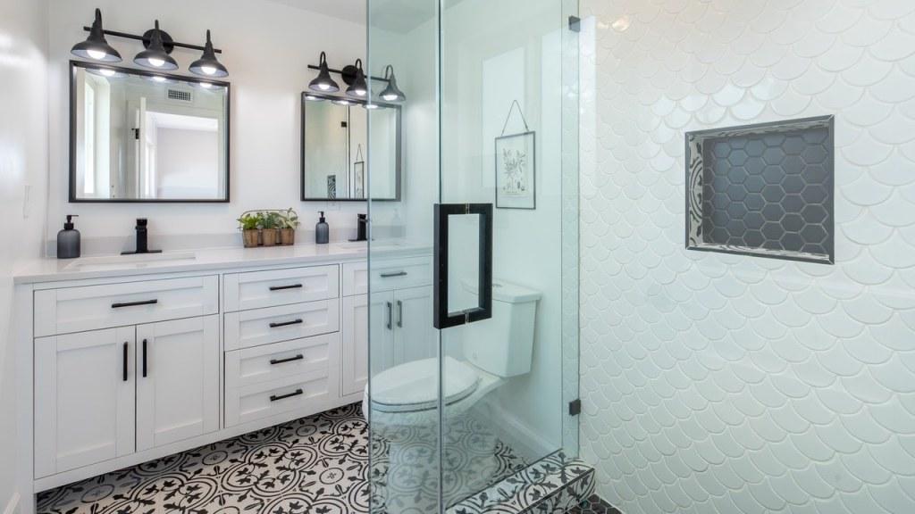 trucos de los mejores hoteles para que el baño siempre huela bien