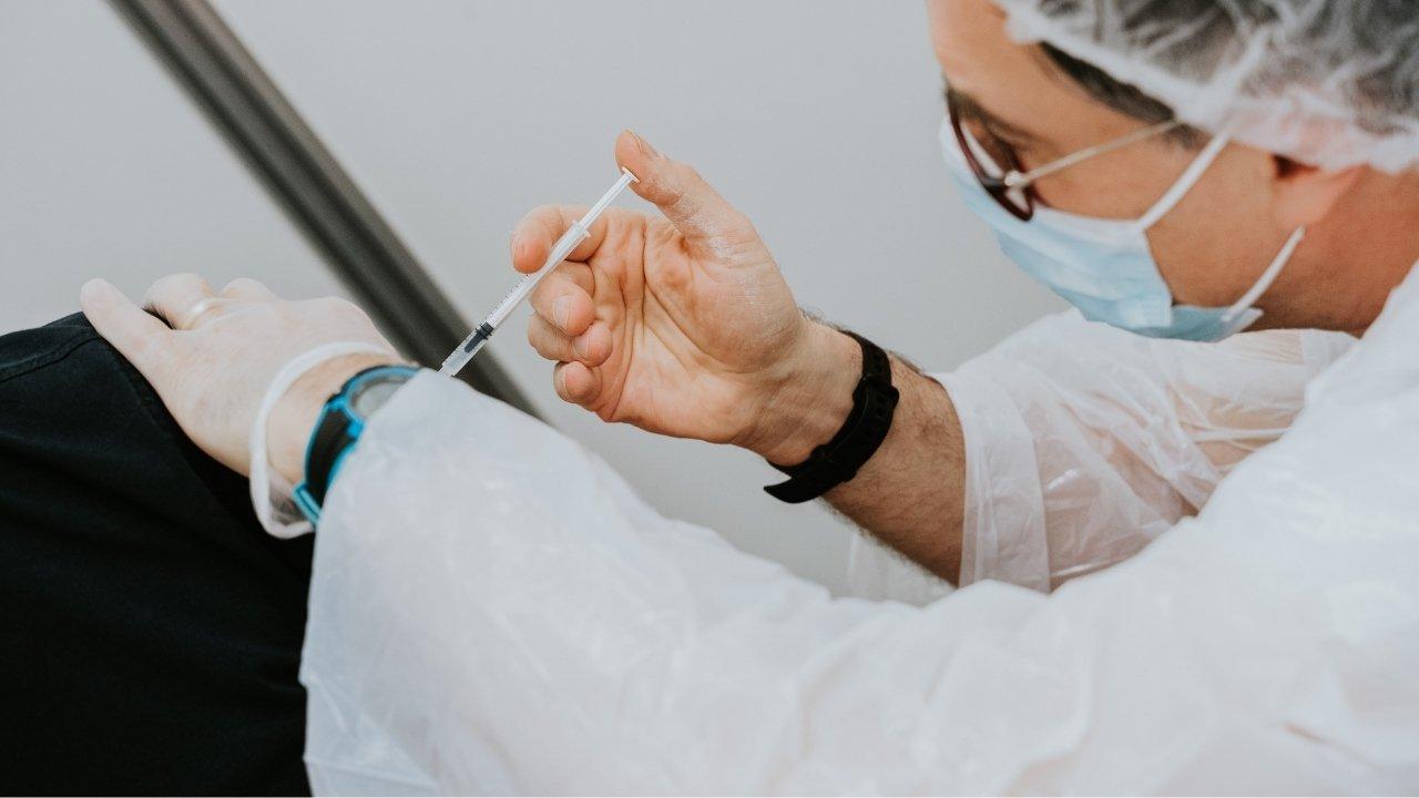 efectos secundarios de vacuna contra covid 19