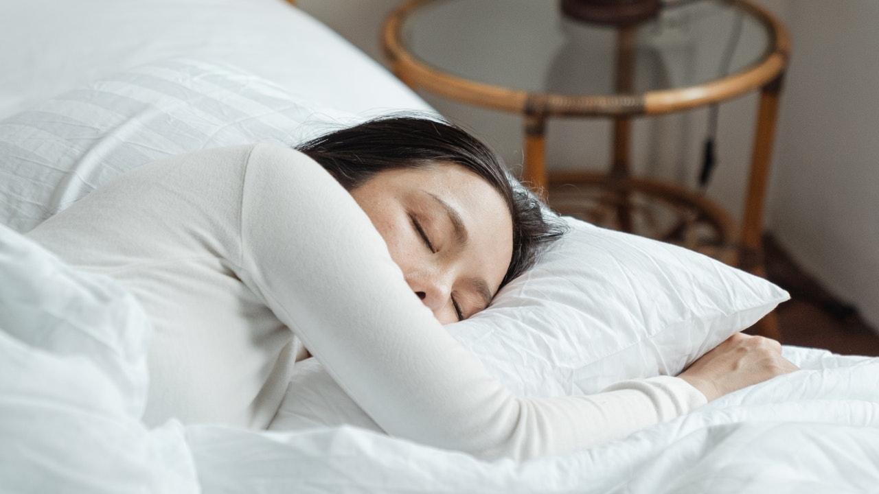 consejos para dormir bien cuando hace calor sin ventildor