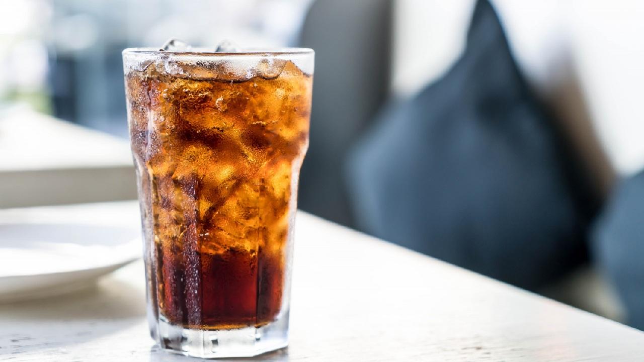 daño huesos salud ósea alimentos coca cola refrescos cola