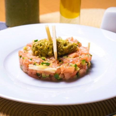 ensalada de salmón con aguacate receta muy saludable