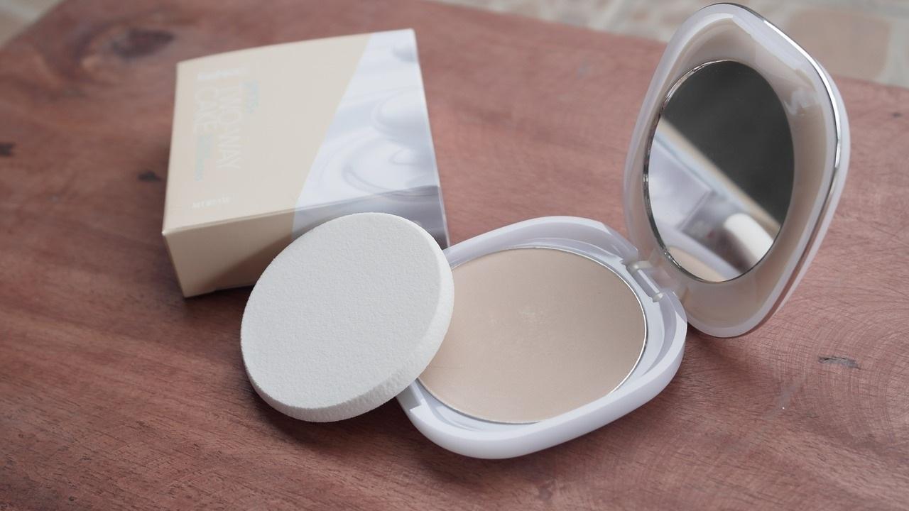 mejores brochas para usar con polvo compacto