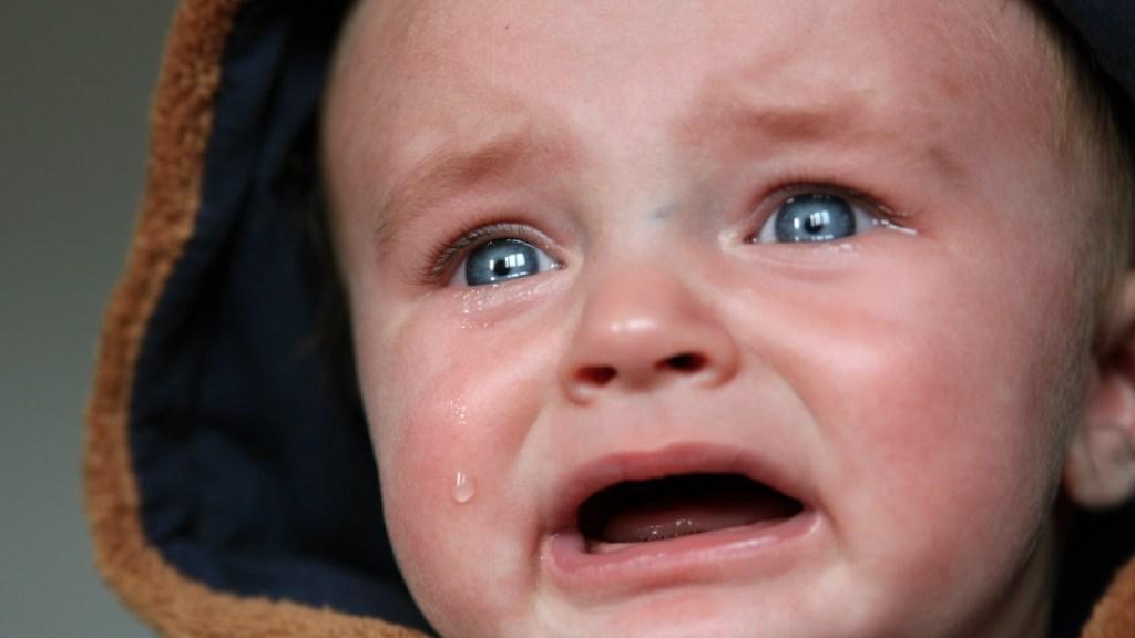 razon por la que tu bebe se despierta llorando y gritando