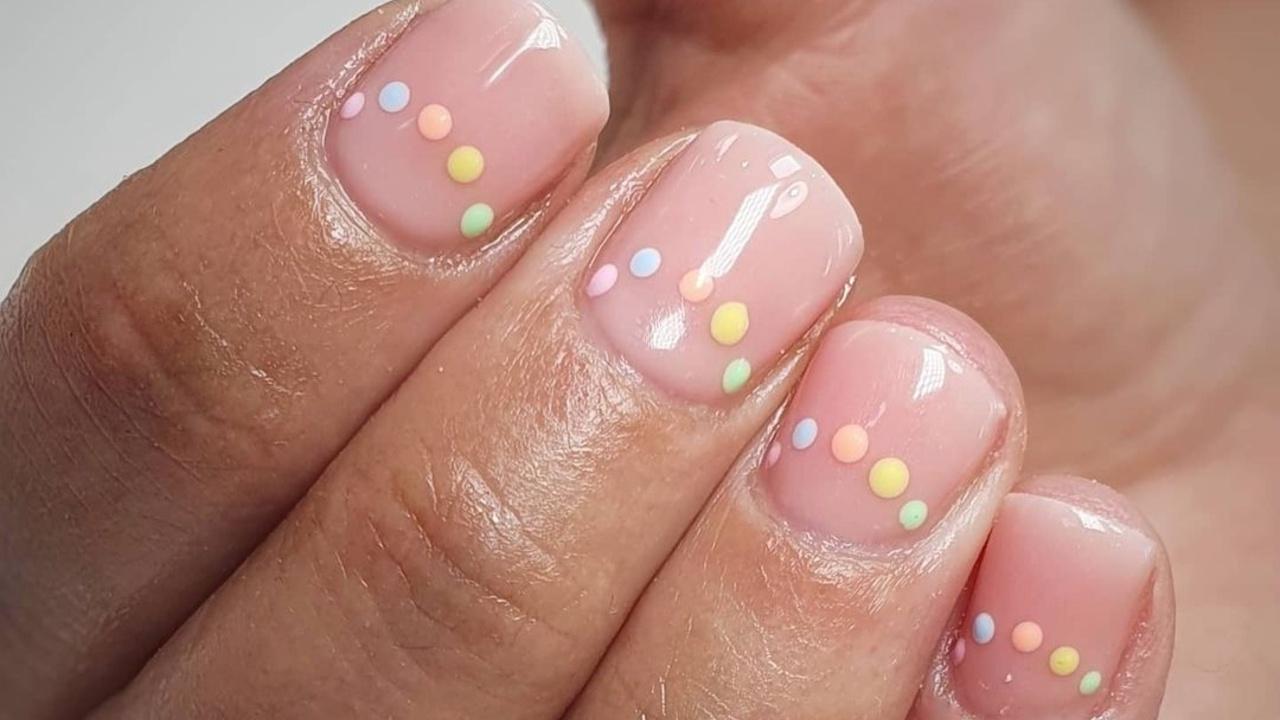 ideas de uñas primaverales colores pastel