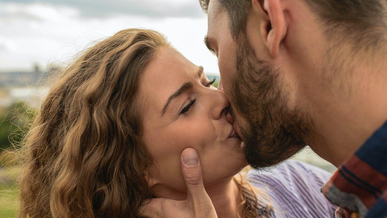 Ritual para enamorar con un beso