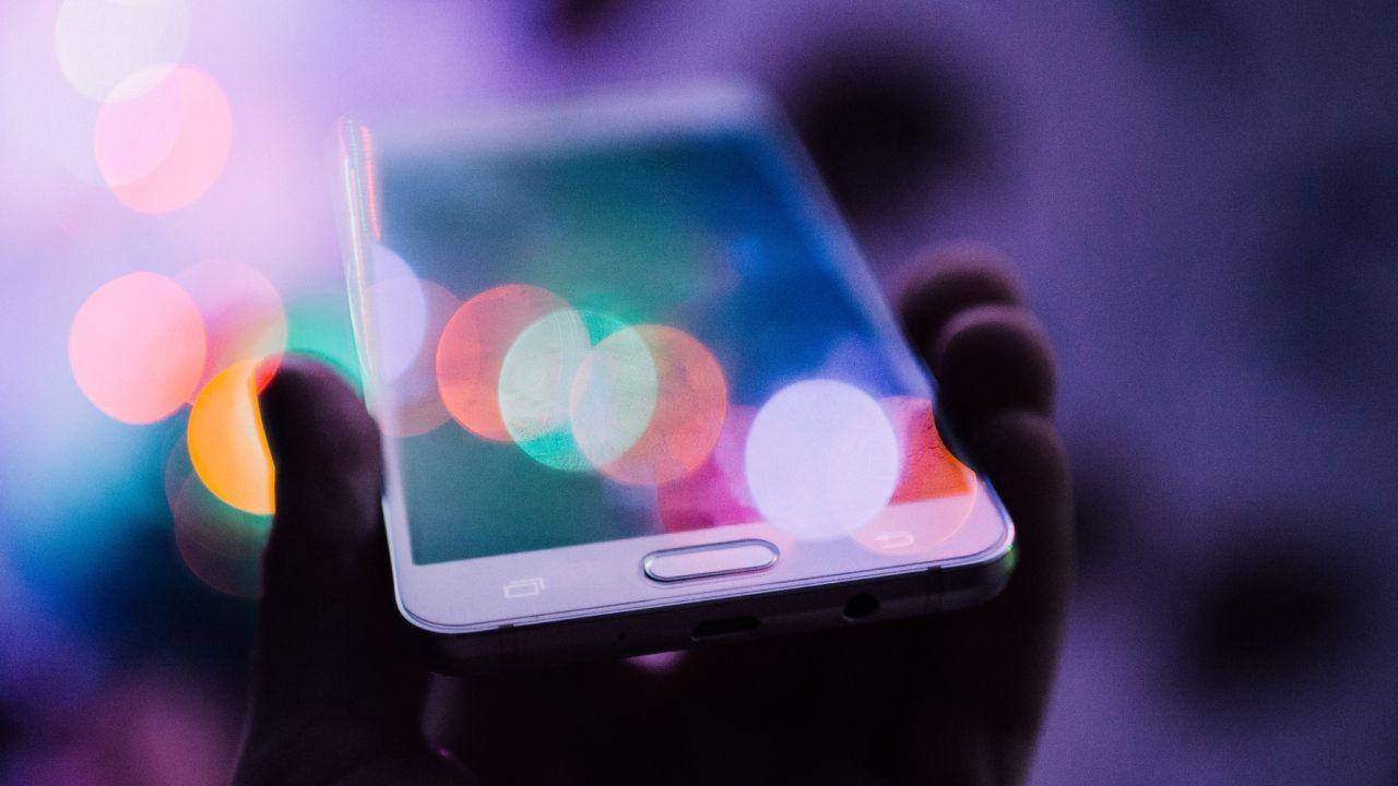 Limpia tu teléfono para evitar enfermedades