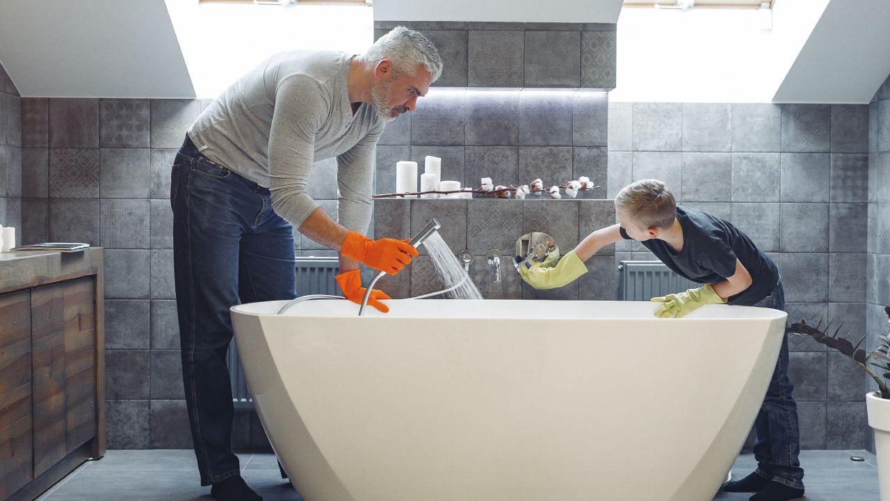 Enseña a tus hijos a ser cooperativos en las tareas domésticas