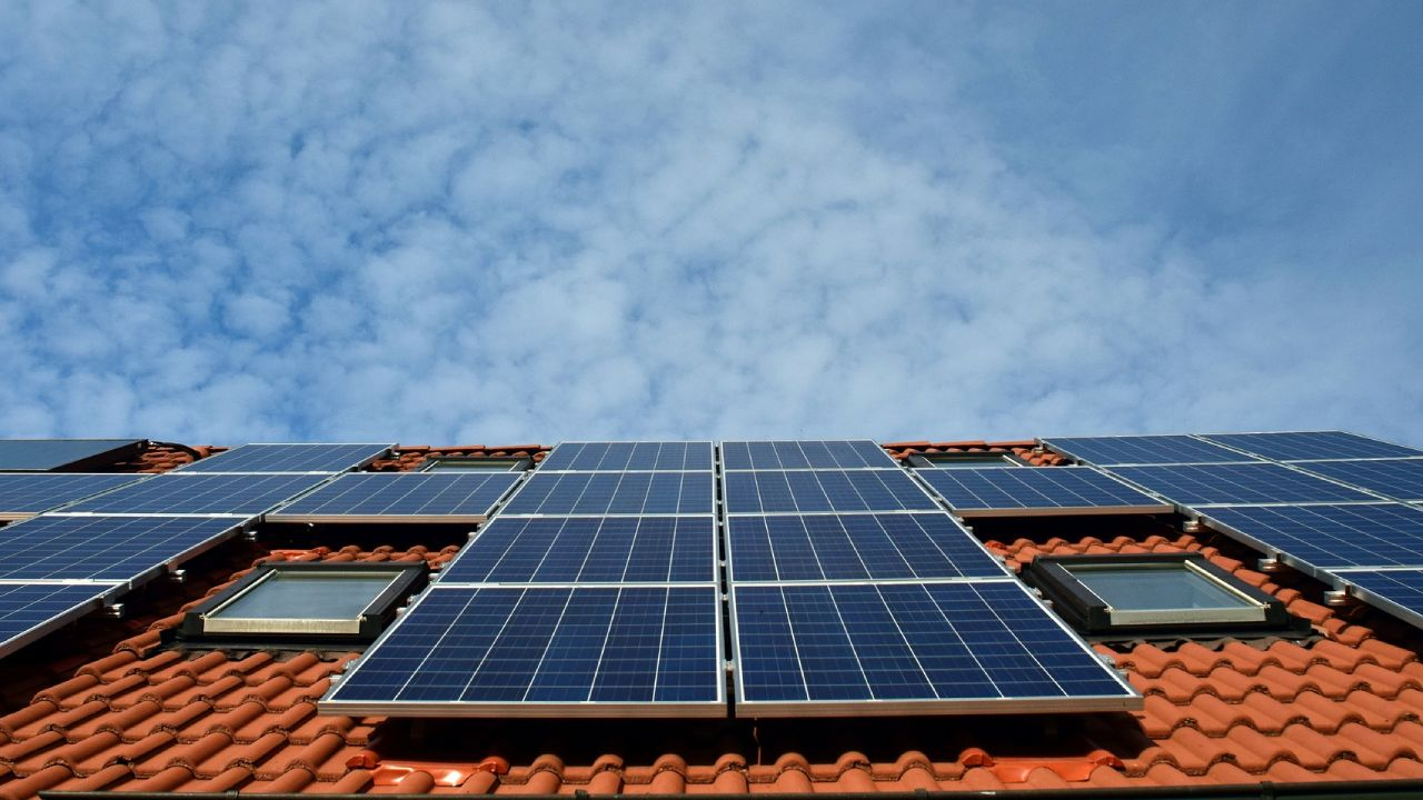 Paneles solares para reducir la cuenta de luz