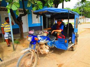 Mototaxi que nos llevó hasta la comunidad de San Lorenzo