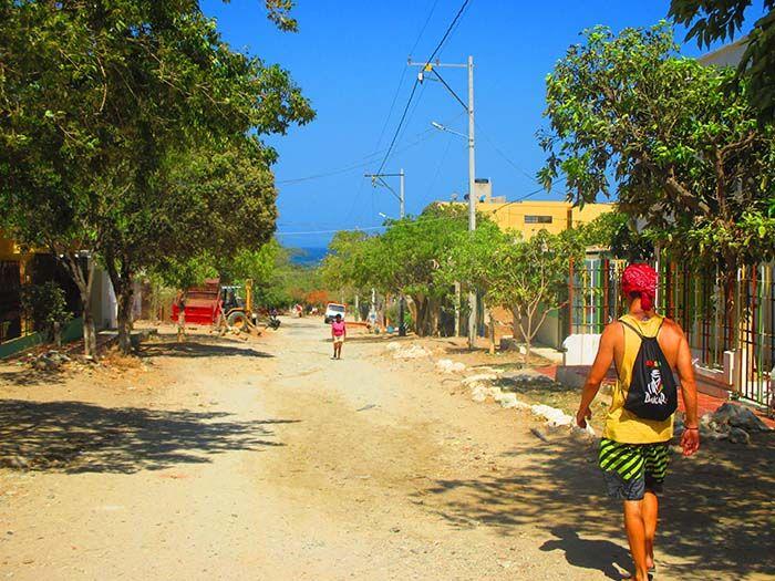 Como puedes ver, las calles de Taganga no destacan por su modernidad