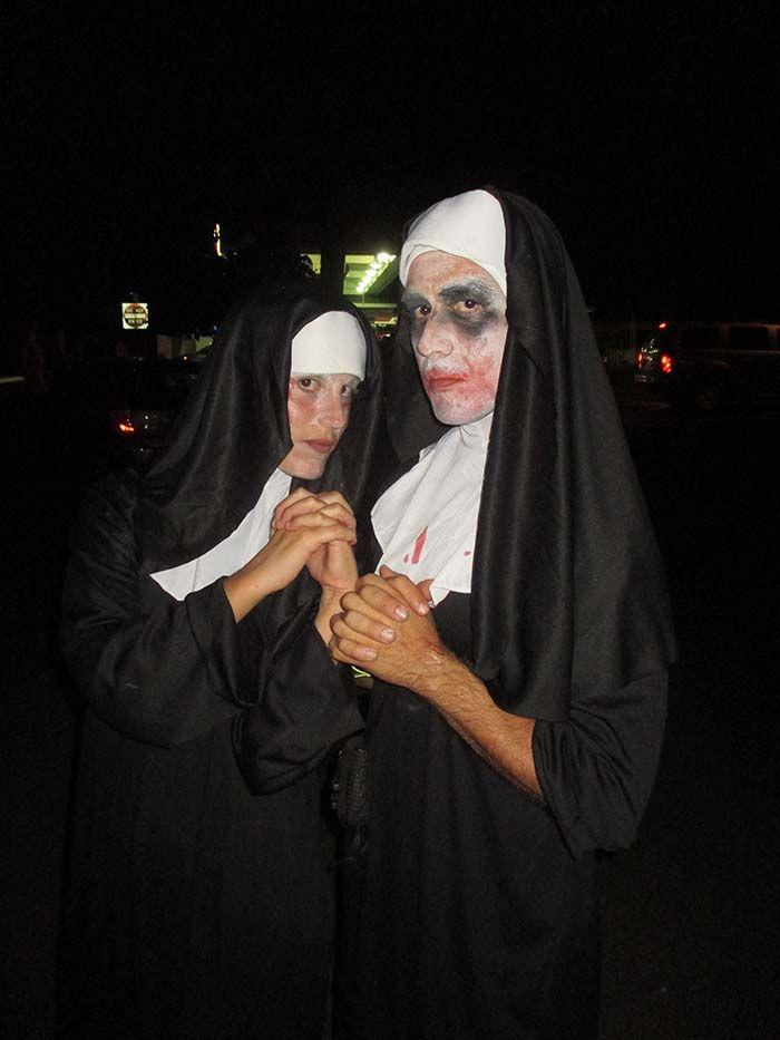 Dos monjas perdidas en Hawaii