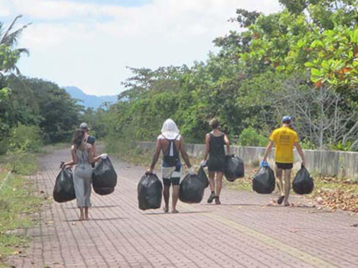 Trash Hero en Langkawi por Viviendoporelmundo