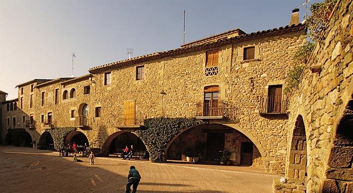 Top 9 pueblos bonitos de Cataluña. Monells