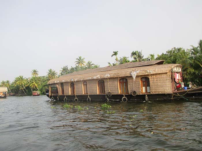 Alquila un houseboat durante varios días