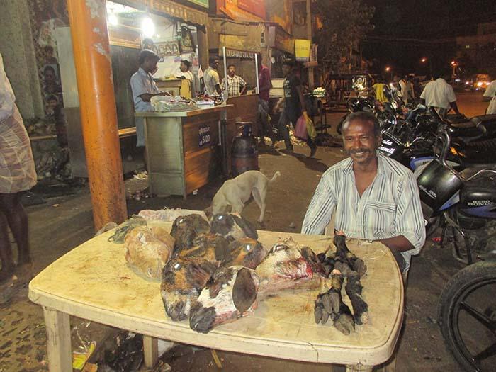 Matanza de cabras en Diwali
