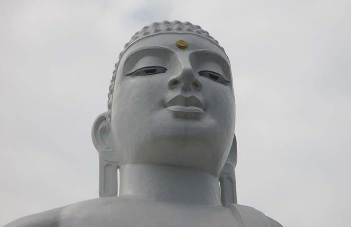 ¿Qué ver en Kandy? - El Buda Gigante de la montaña