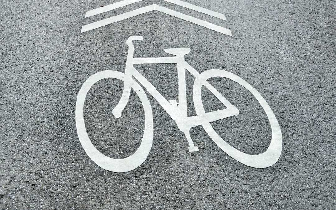 How to stay safe while cycle commuting