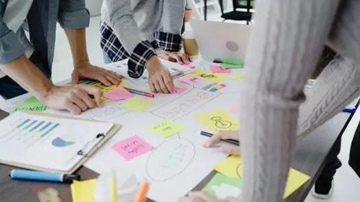 como encontrar becas de marketing digital