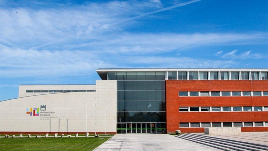 Becas de la Universidad de Aveiro, Portugal.
