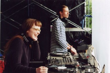 Carrie Gates and Jon Vaughn DJing at the Connect Festival in 2002