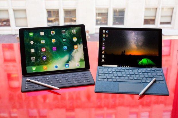 Microsoft представила огромный настенный планшет