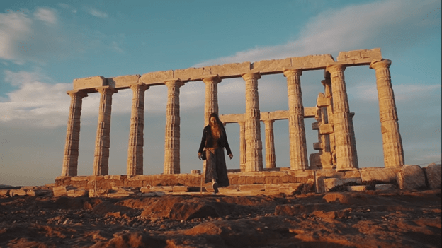 How to Become a Travel Vlogger