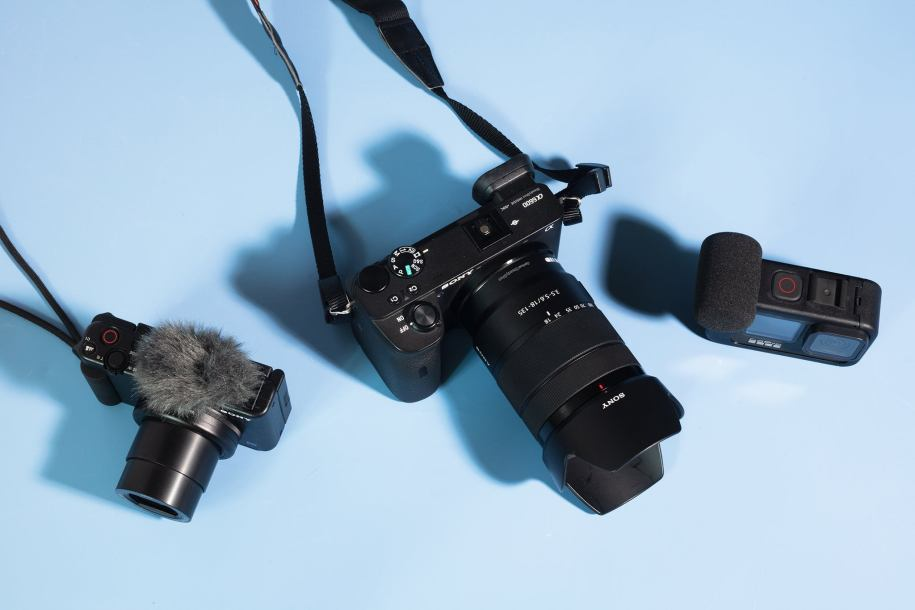 Best Vlogging Cameras for Beginners in 2021- Cheap Price