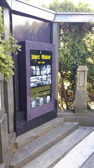 Digitalni nagrobnik