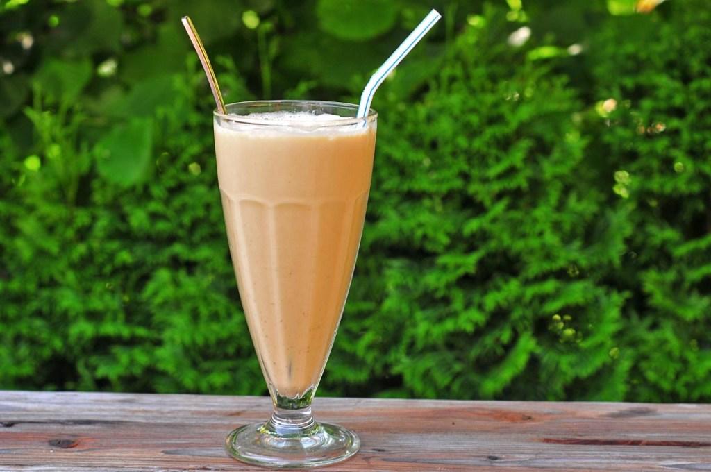 Zmrzlinovo-kávový írsky šejk
