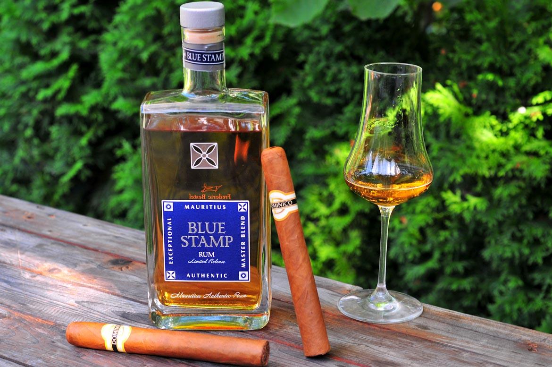 rum blue stamp cigary pohár