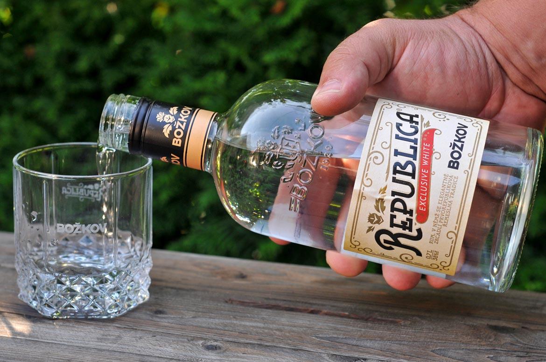 rum božkov republica exclusive white